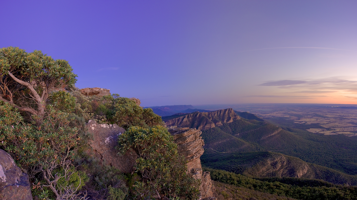 Scenery, Grampians National Park, Mt William, Gariwerd, Rock outcrops, landscape, view, low light, dusk. plants, flora,;